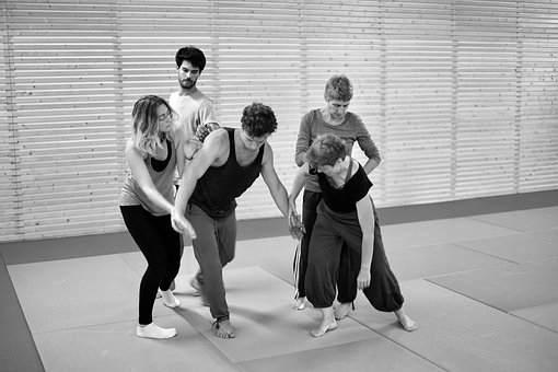 contact-improvisation-3684689__340